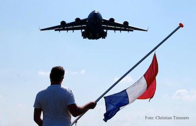 Pixels, minuten en emoties #MH17